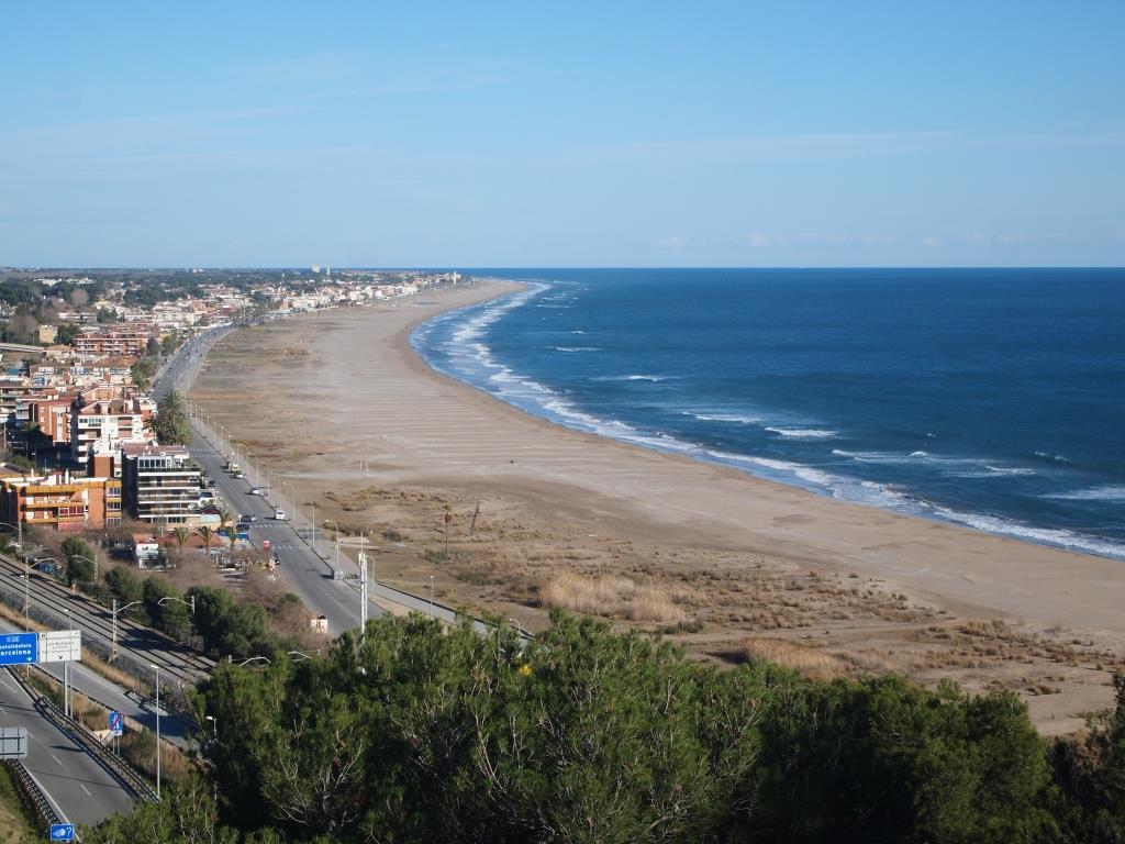 Castelldefels sancionar por los pisos e inmuebles vac os for Pisos castelldefels playa